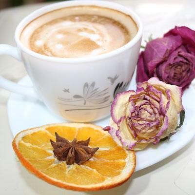پرتقال خشک با کافه لاته