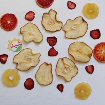گلابی آناناس پرتقال و توت فرنگی خشک